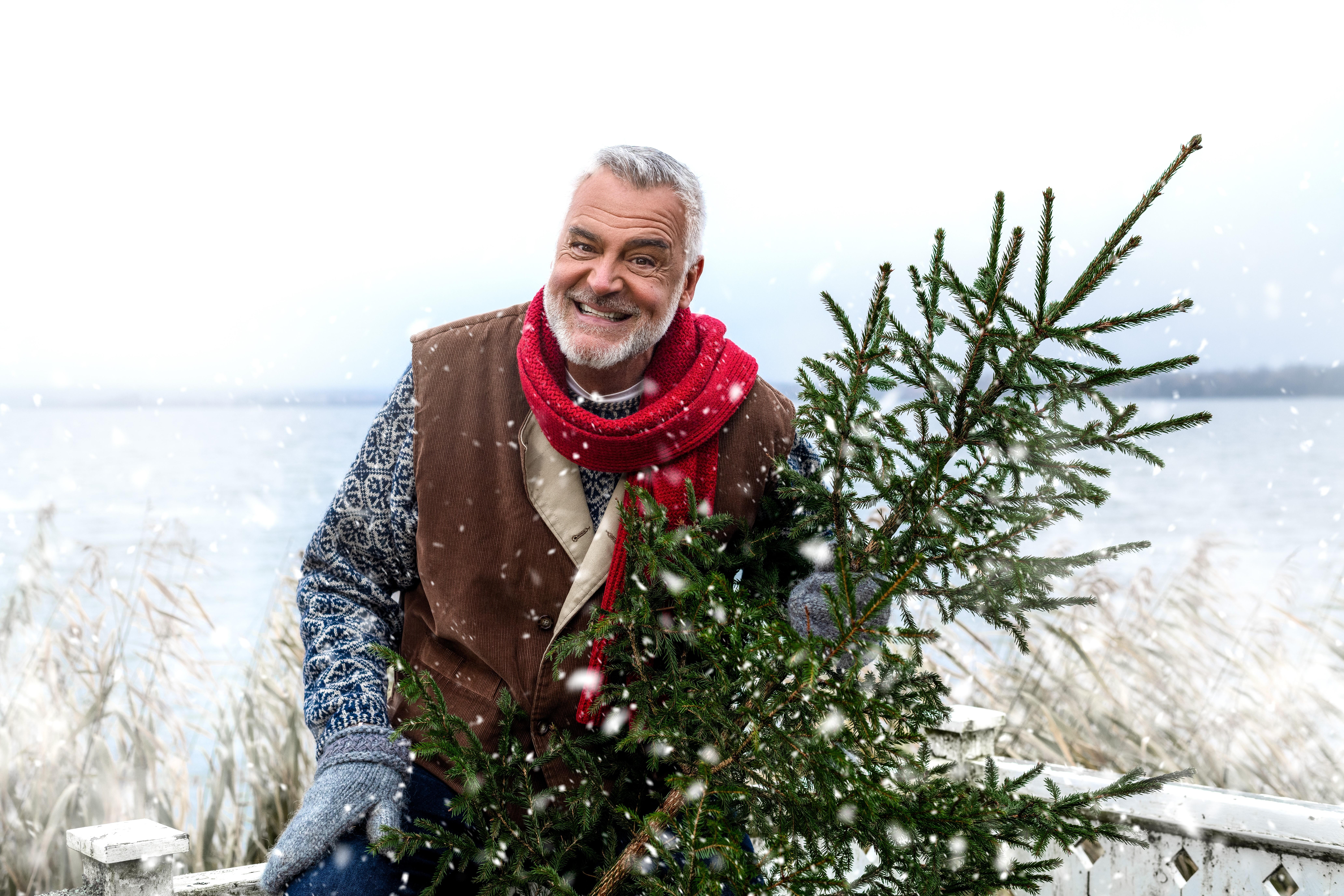 Ikväll är det dags för Ernst årliga julfixande